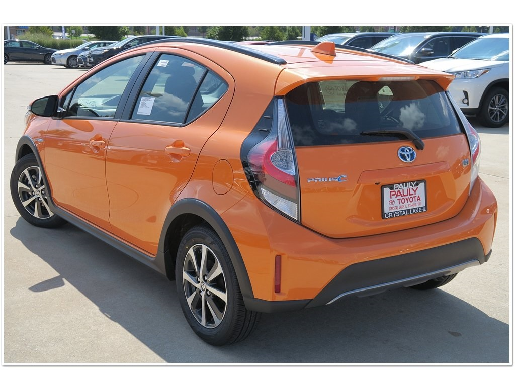 New 2018 Toyota Prius C Three 5d Hatchback In Crystal Lake