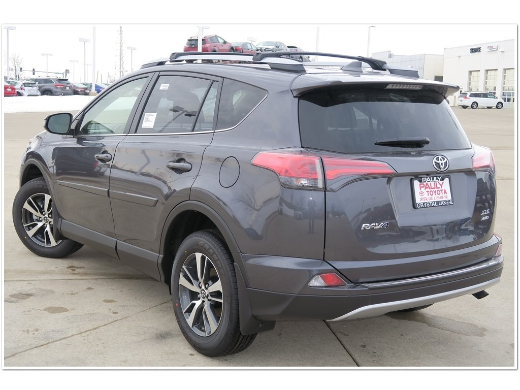 New 2018 Toyota Rav4 Xle 4d Sport Utility In Crystal Lake